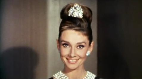 Audrey_Hepburn_Tiffany's_4