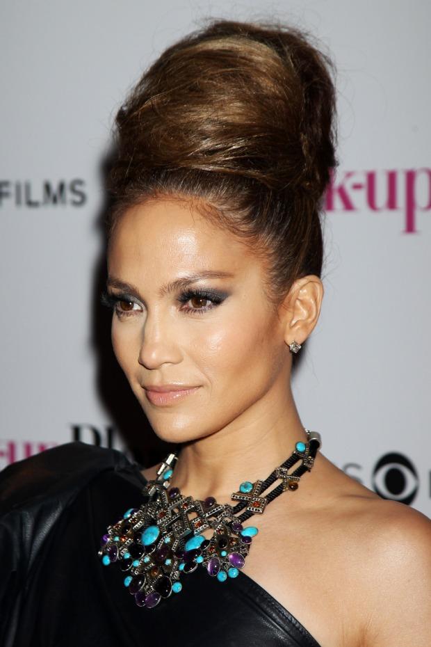 Jennifer-Lopez-jennifer-lopez-16968175-1706-2560