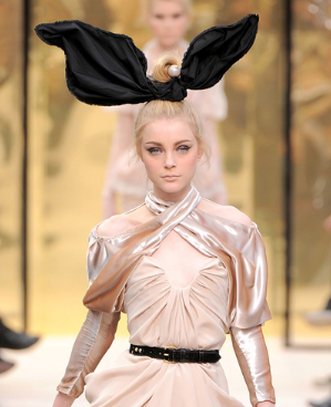 Louis-Vuitton-Bunny-Ears-2009