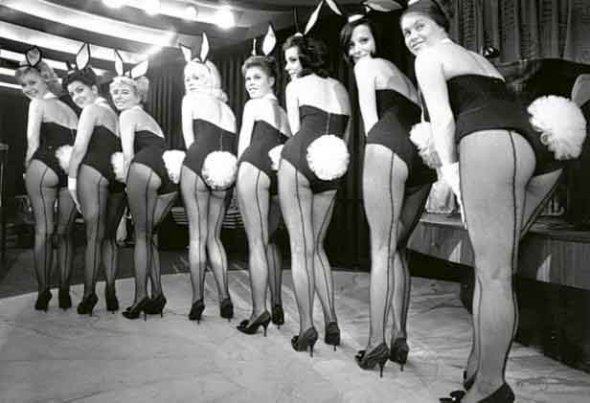 1960-the-first-playboy-club-opens-in-downtown-chicago