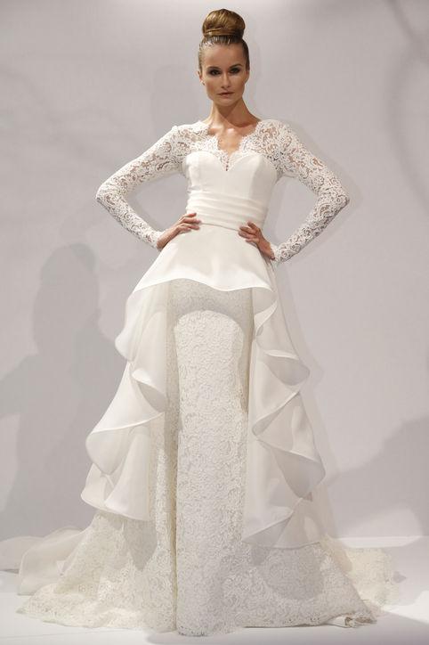 A modern girl s guide to keeping it old school crown for Elizabeth taylor wedding dress