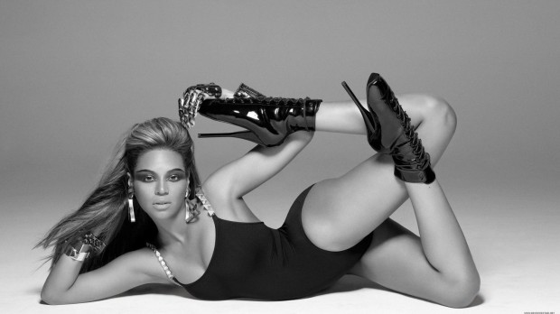 Beyonce-Black-and-White-HD-Wallpaper