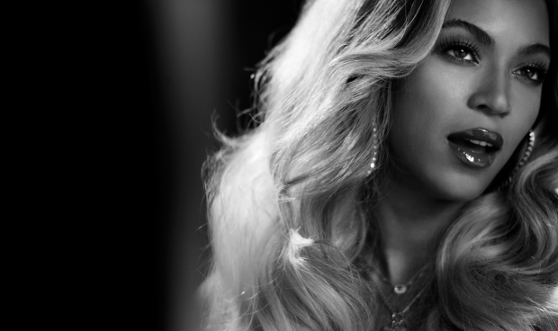 beyonce-wallpaper-in-black-and-white-HD