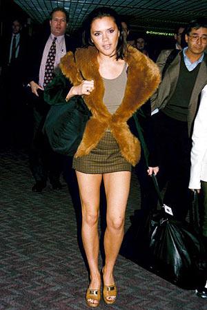 victoria-beckham-posh-spice-tartan-mini-fur-coat-stylechi