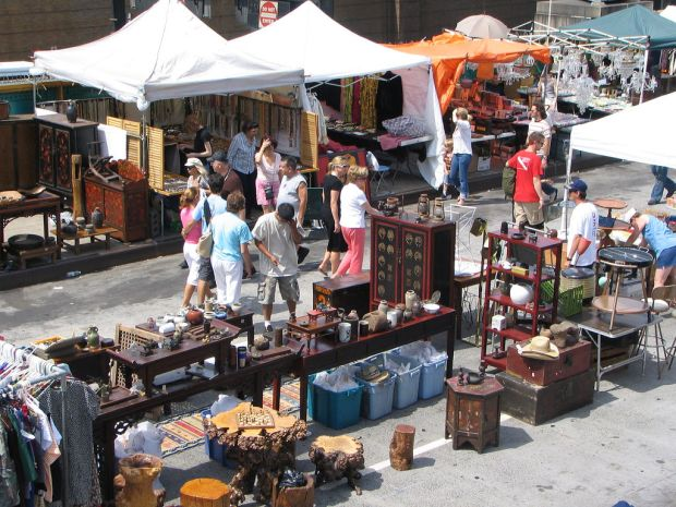 Hells-Kitchen-Flea-Market-c-by-IseFire